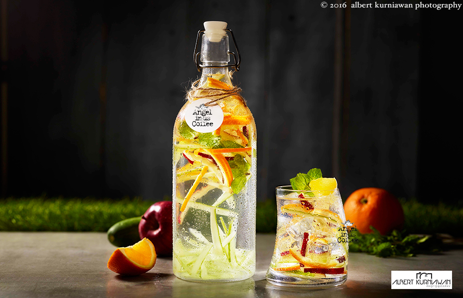 angle-in-us-infuse-water