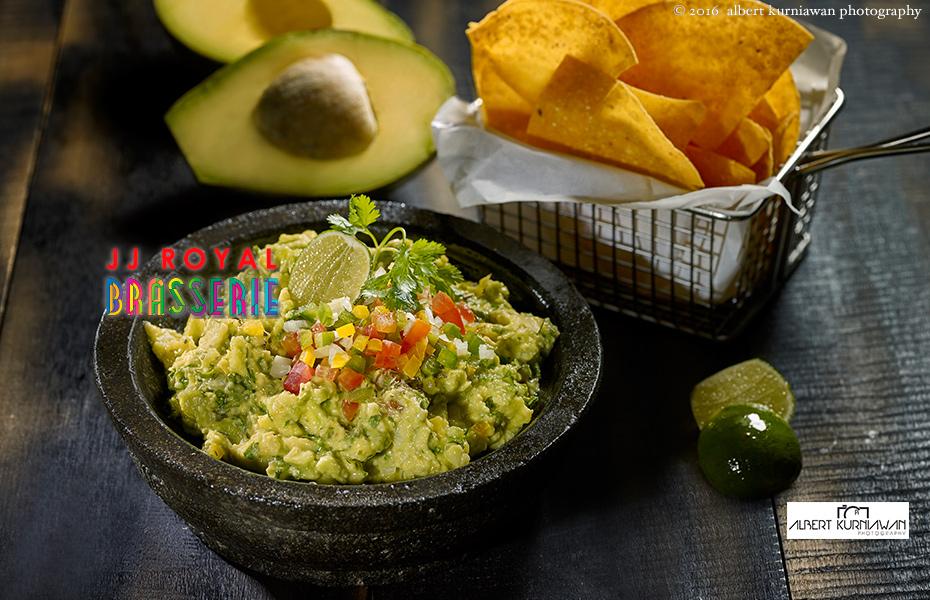 akp-JJRoyal-Brasserie-side-guacamole