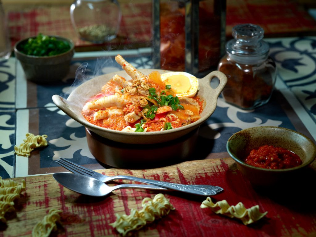 seblak, hitam putih, indonesian street food, indonesian food be hero